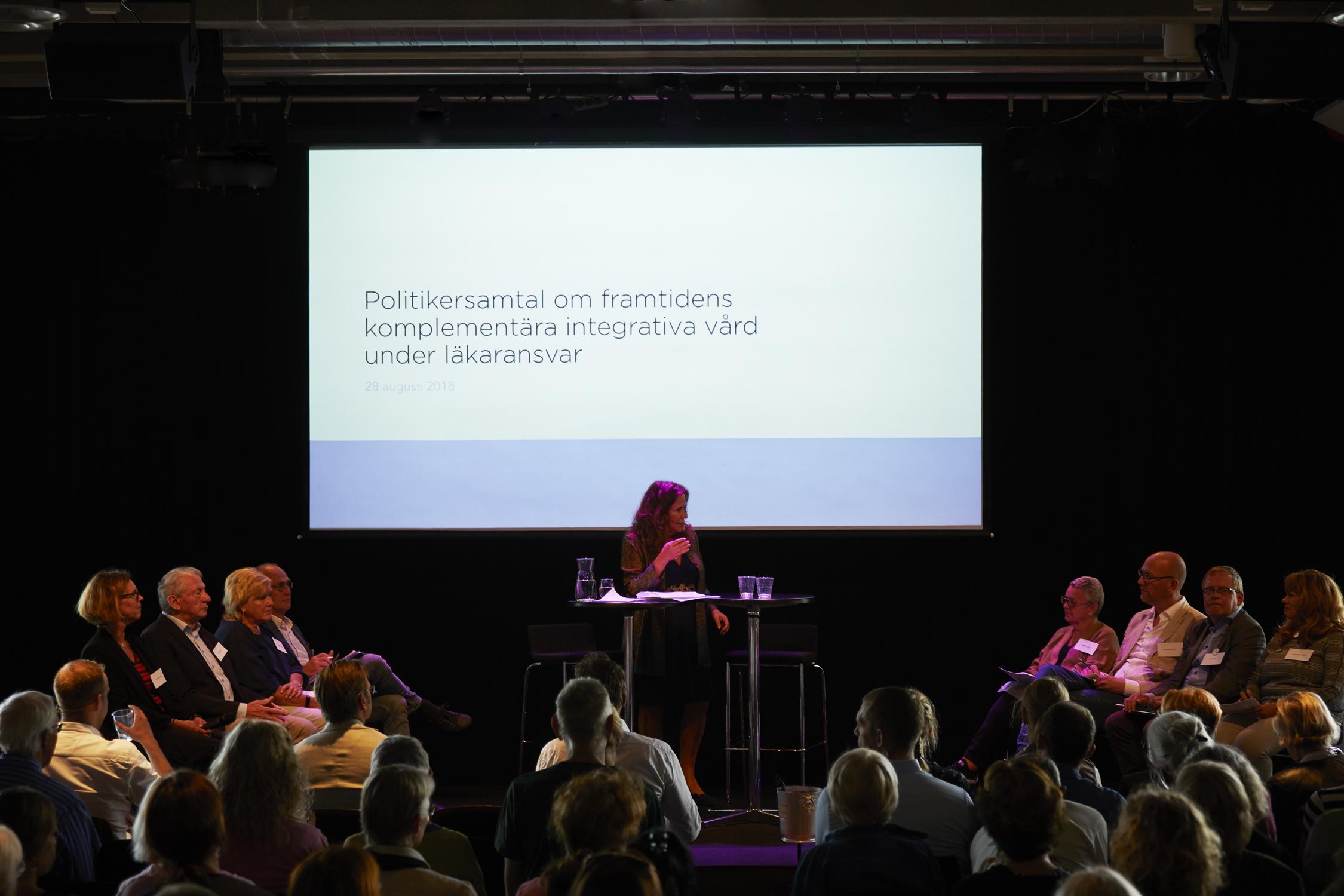 Annika Dopping ledde Politikersamtal om framtidens komplementära integrativa vård under läkaransvar