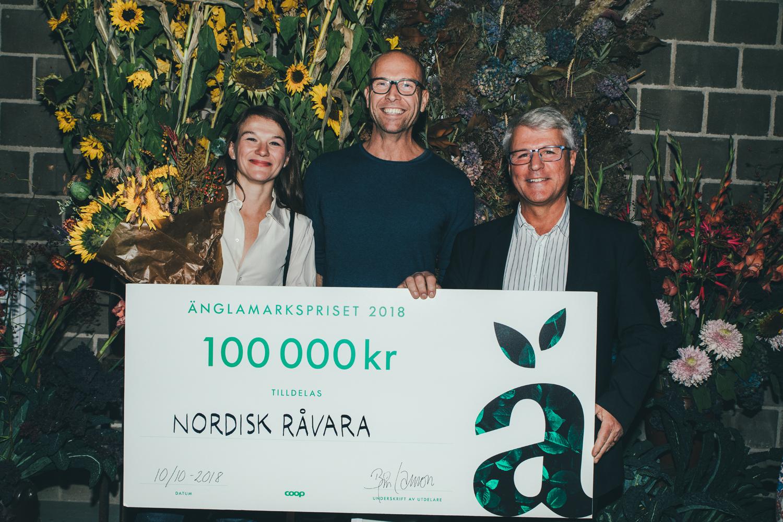 Fr v Anna Erixon, Tomas Erlandsson och  Gunnar Backman från Nordisk Råvara.