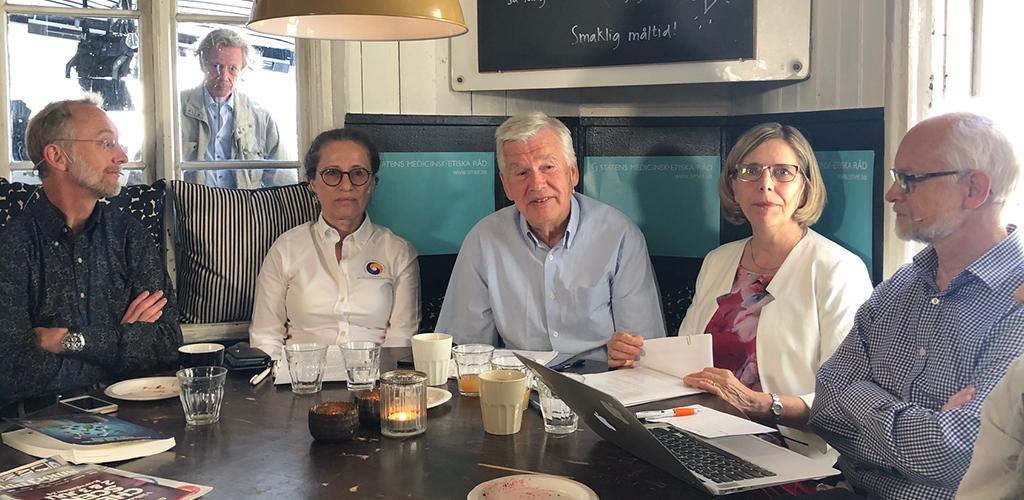 Fr v: Jonas Ludvigsson, Hanna Angerud, Kjell Asplund, Ursula Flatters och Dan Larhammar.