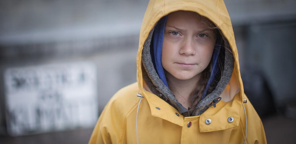 Greta Thunberg var på väg till klimatkonferensen i Madrid och representerades av deltagare i Fridays For Future. Foto: foto Anders Hellberg
