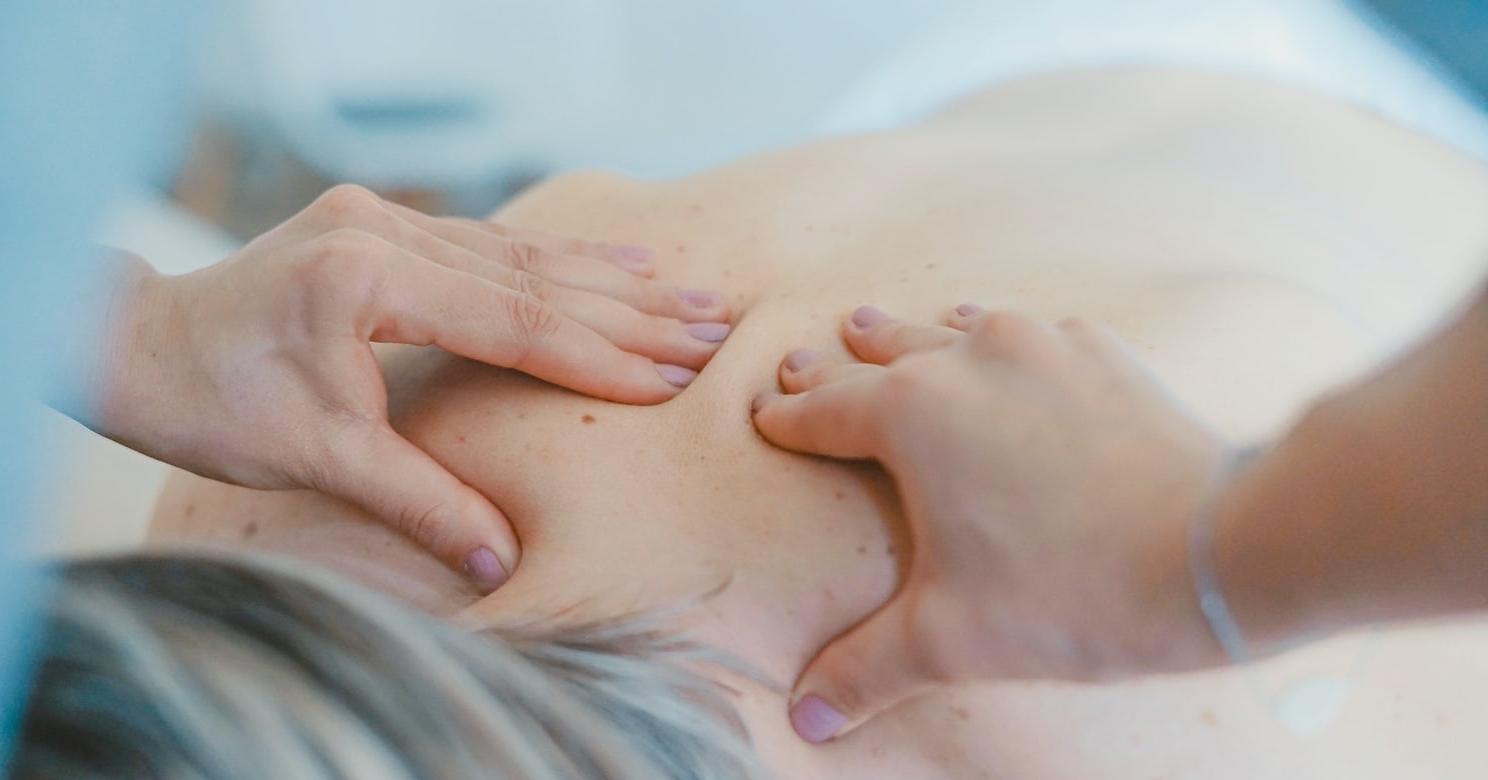 Massage, unsplash photo-1519824145371-296894a0daa9
